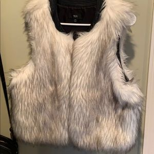 Fashionable White-Tan Fury Vest